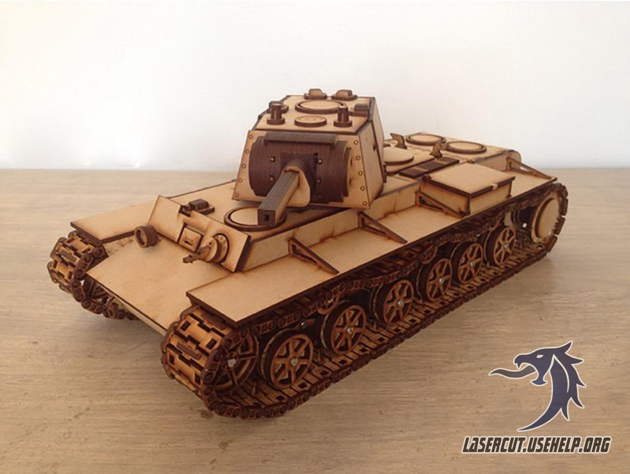 Макет Танк KV-1 из фанеры